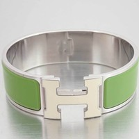 Auth HERMES Clic Clac GM Wide Bracelet Bangle White/Green Enamel/Metal - e33820