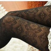 Victoria Floral Pattern Stockings Black