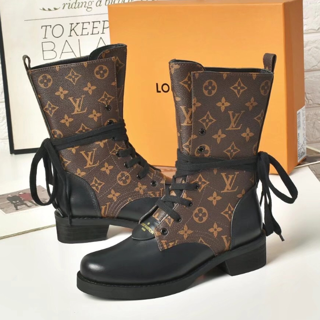 Image of 【Louis Vuitton】LV woman Martin short boots with thick lace