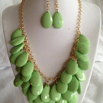 FREE SHIPPING Teardrop Necklace Pink Green White, Kate Spade Necklace, J Crew Necklace, Anthropologie Necklace Matching Earrings Free