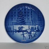 """1988 Bing and Gondahl """"Christmas In America"""" Plate -- Coming Home for Christmas (Steam Train Scene)"""