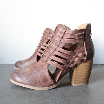 final sale - forward thinking - cut out ankle boots