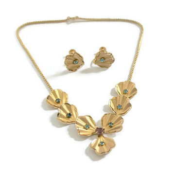 Bugbee And Niles Co, B & N Tropical Scalloped Shell, Flower Jewelry Set, Necklace And Screw Back Earrings, In Gold Tone