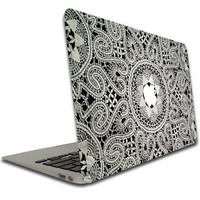 Macbook Air or Pro 13 in - Vinyl Removable Skin - Lace Pattern