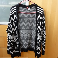 B&W Tribal Sweater Oversized Cardigan