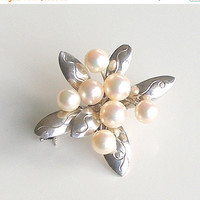 SALE Vintage Sterling Silver Cultured Pearl Brooch, Silver and Pearl Flower Pin, Vintage Fine Jewelry, Bridal Jewelry, Gift for Her