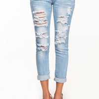 SHREDDED CAPRI JEANS