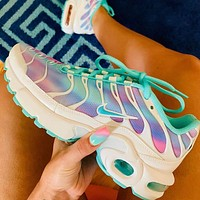 NIKE AIR MAX PLUS Air cushion sneakers