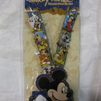 8 Piece Disney Pin Delux Trading Starter Set Mickeys with Lanyard 2010