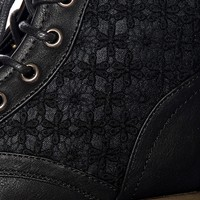 Granny Grunge Lace Up Crochet Combat Boots - Black