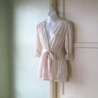 Sensuous Vintage Cream Silk Dressing Gown with Lace & Rose Appliques - Short Silk Robe; Small-Medium - Cream Dressing Gown - Honeymoon Robe