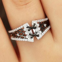Fashion girdle black and gold color separation ring personality creative hollow-out flower with diamond ring birthday gift