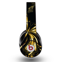 The Vibrant Gold Butterfly Outline Skin for the Original Beats by Dre Studio Headphones