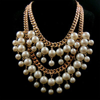 Bankruptcy and sisters - broke girl Caroline - with multilayer big pearl necklace, women jewelry necklace