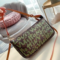 Louis Vuitton LV The most popular natural is the armpit bag