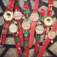 PU Leather Belt Round Dial Quartz Watch with Christmas Theme Color