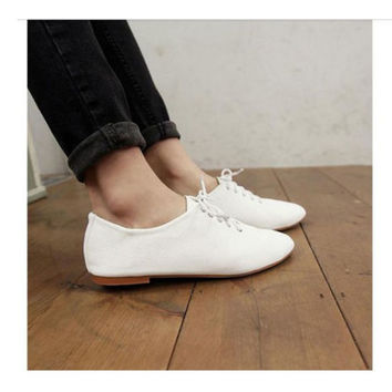 Womens White Vintage Flats Heels Classics Lace Ups Dress Oxfords Shoes Size 7.5
