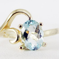Aquamarine 14k Yellow Gold Oval Ring, March Birthstone Ring, Natural Aquamarine Oval Ring, 14k Yellow Gold Aquamarine Ring, 14k Gold Ring