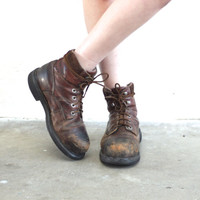 Vintage LEATHER Lace Up Work Combat Hiking Boot // Wolverine // Distressed Patina Brown Leather // Hipster Grunge Biker // Women's US 10