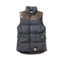 Packer Puffer Vest in Chocolate