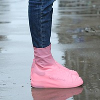 Outdoor Tools Rain Shoe Cover Waterproof Rubber Anti Slip Rain Boot Overshoes Raincoat Reusable Silicone Insoles Shoes Camping T