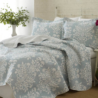 100-percent Cotton Twin Size 2-Piece Quilt Set with Coverlet and Sham in Blue White Floral Pattern
