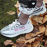 Adidas Yeezy 550 Boost 350 V2 Popular Woman Men Comfortable Sport Sneakers Shoes
