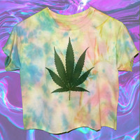 Grunge Pastel Tie Dye Weed Shirt / 90's Hippie Style Marijuana Pot Leaf Tshirt / Stoner Punk Dyed Faded Tee / Semi Crop Top sz Small Medium