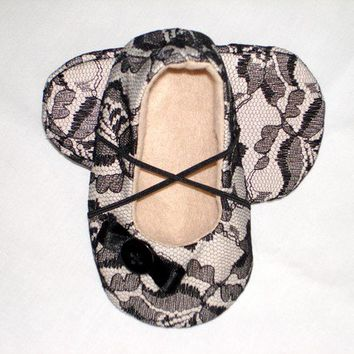 Black lace and felt Baby girl shoe/bootie/slipper in sizes 0-18 months