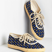Americana Sporty Favors the Bold Sneaker in Dots