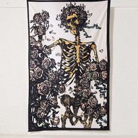 Grateful Dead Skeleton N' Roses Tapestry | Urban Outfitters