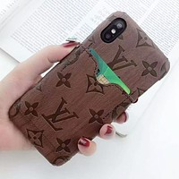 Louis Vuitton LV New Fashion Monogram Print Leather Couple Personality Phone Case Protective Cover