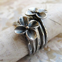 Sterling Silver Ring, Metalwork stackable Flower Ring in antique gray, Artisan Jewelry, Set of 5