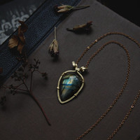 vesta • labradorite necklace - witch crystal necklace - witch jewelry - seer stone necklace - mystical jewelry - made in finland