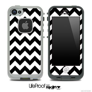 Black and White V2 Chevron Pattern Skin for the iPhone 5 or 4/4s LifeProof Case