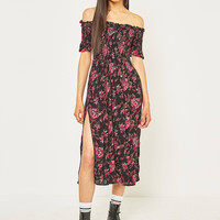 Kimchi Blue Picnic Midnight Floral Off-the-Shoulder Midi Dress | Urban Outfitters