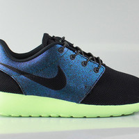 Nike Women's Roshe Run One WWC QS Teal Vapor Green Black