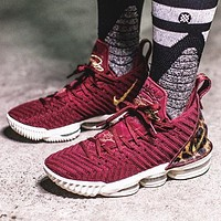 Nike Lebron 16 Buzz LBJ16 New fashion hook men running shoes Burgundy