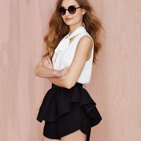 Black Dovetail Layered Short with Back Zipper