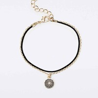 Crown Chakra Charm Bracelet in Gold - Urban Outfitters