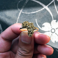Sparkling Gold Africa Ring