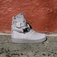 spbest NIKE - Women - W SF Air Force 1 - Grey
