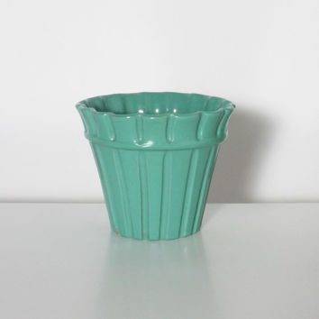 Blue - Green Cache Vase with Details