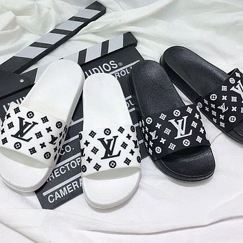 LV Louis Vuitton New style slippers slip-on soft bottom bedroom non-slip couple outdoor slippers flip flop shoes