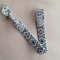 "Black & White Aztec 5/8"" Elastic Headband"
