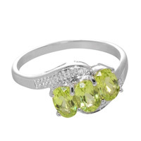 925 Sterling Silver 1.5 ct Peridot and Diamond Ring