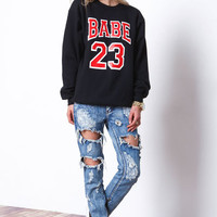 BABE 23 SWEATSHIRT IN BLACK