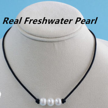 Freshwater 3 Pearls and Genuine Leather choker necklace +Gift Box