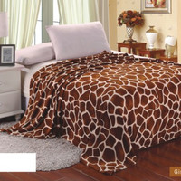 Animal Print Ultra Plush Giraffe King Size Microplush Blanket