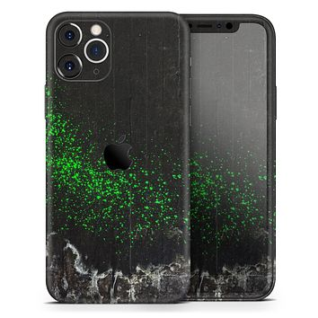 Grungy Green and Black Wood Surface - Skin-Kit compatible with the Apple iPhone 12, 12 Pro Max, 12 Mini, 11 Pro or 11 Pro Max (All iPhones Available)